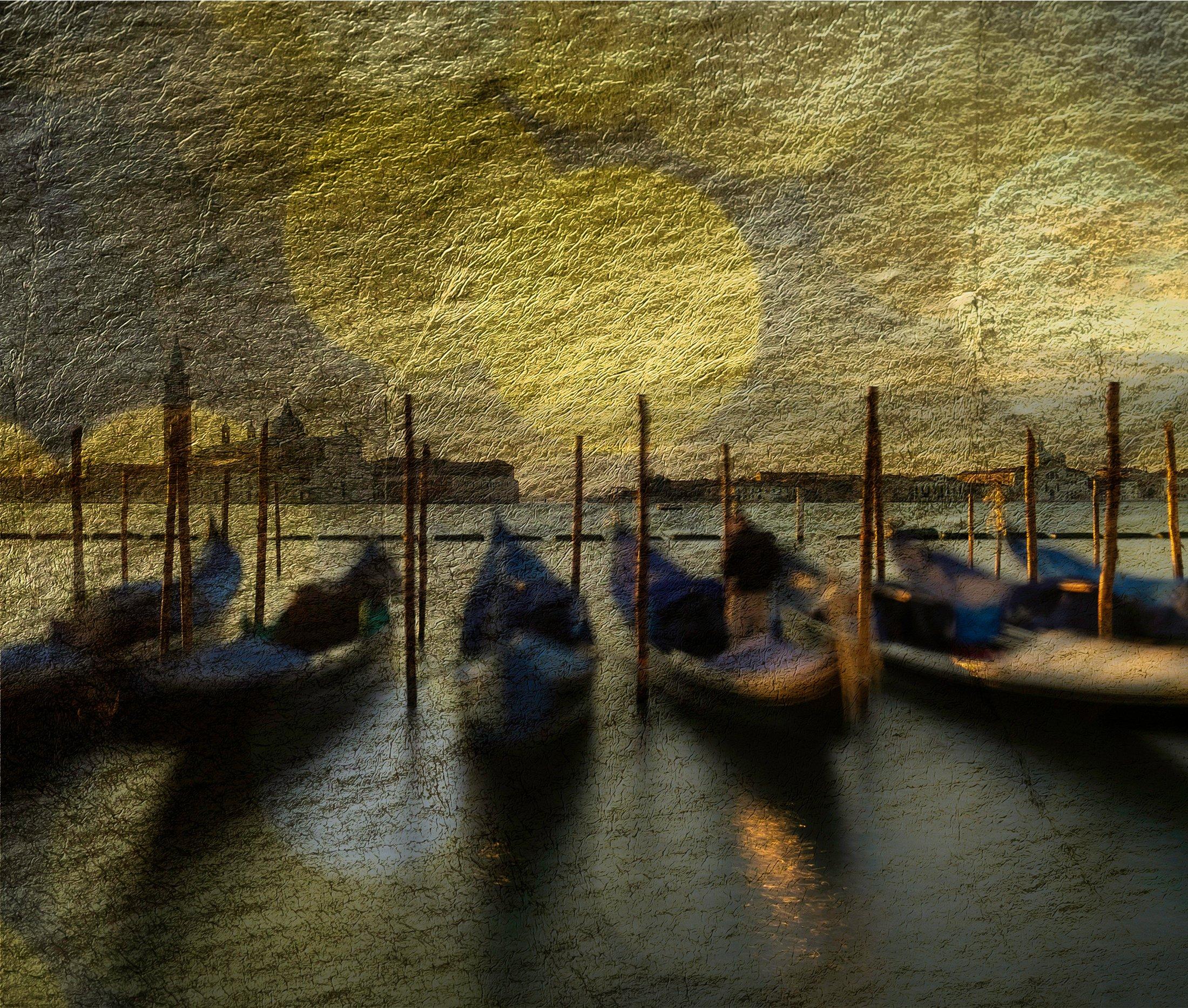 Bobbing in the Moonlight, Venice