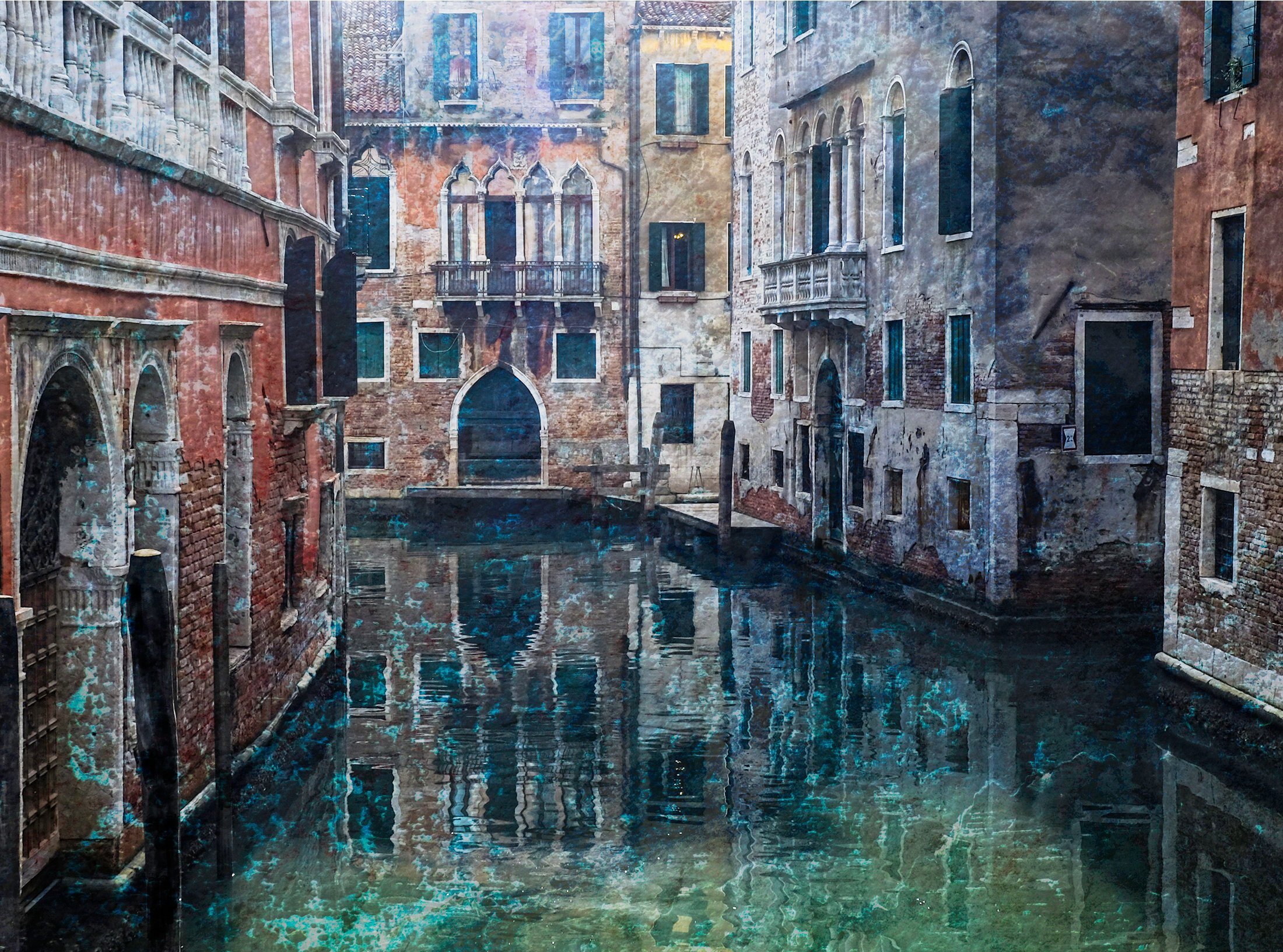 venice-venetian-crumbly-textures-architectural-lagoon-canal
